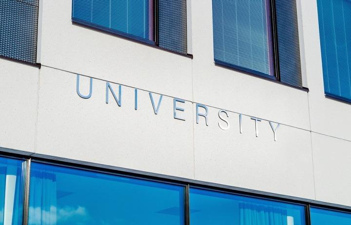 university-2119707_960_720